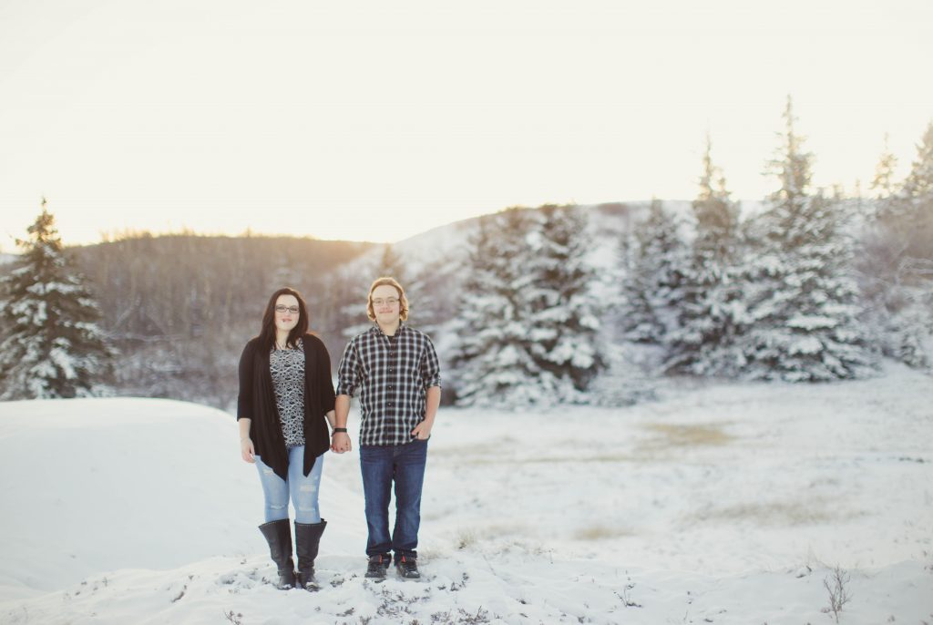 14-winter-engagement-snow