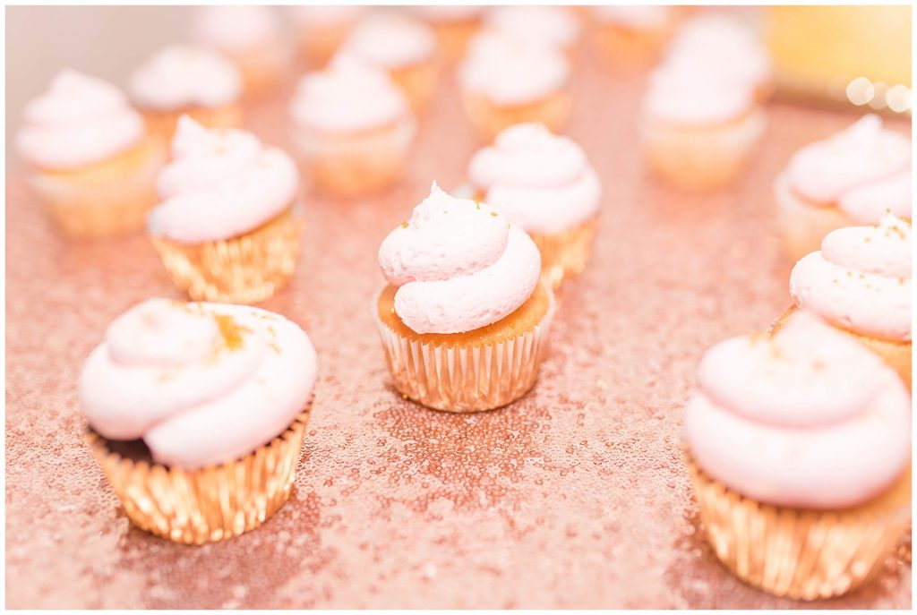 cute blush pink and gold cupcakes