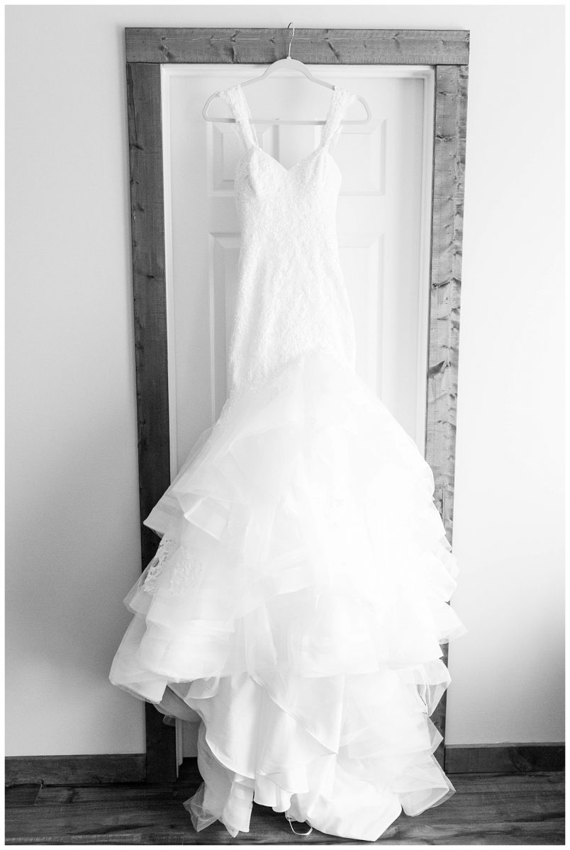 bride detail dress black and white