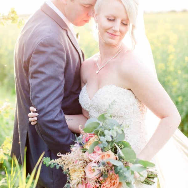 Chris & Kaytlin | Alberta Wedding Photographer | Kayla Lynn Photography
