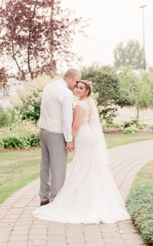 Zack & Jillian   Alberta Wedding Photographer   Kayla Lynn Photography