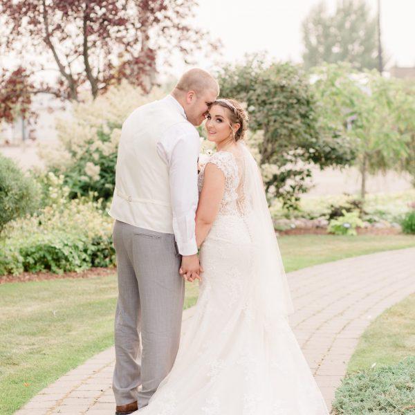 Zack & Jillian | Alberta Wedding Photographer | Kayla Lynn Photography